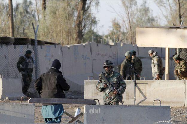 L'attaque de la base de Kandahar a fait 50 morts.