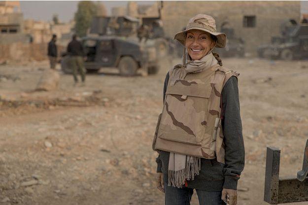 Le 7novembre2016, dans le faubourg nord-est de Mossoul. Véronique Robert avec la Golden Division. Elle accompagne l'offensive sur la ville, aux côtés de l'unité d'élite, depuis le 4 novembre.