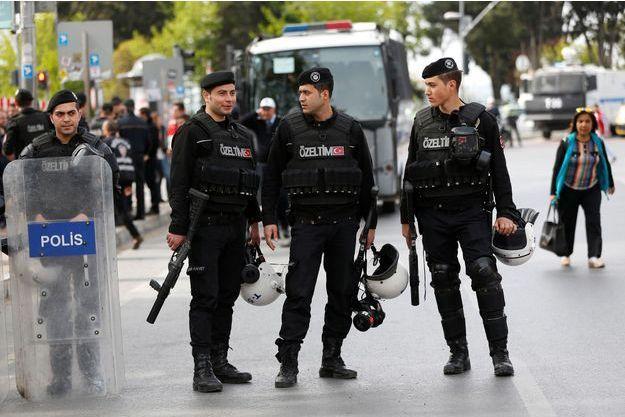 Policiers à Istanbul, le 1er mai 2017 (image d'illustration).