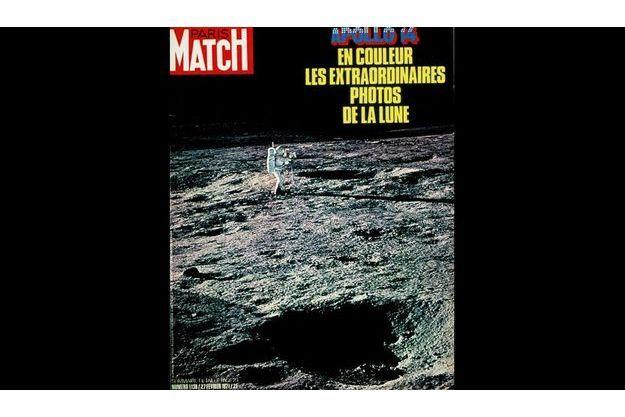 Alan Shepard, premier Américain dans l'espace en 1959, puisqu'il pilotait la capsule Mercury, écrit une page majeure de la conquête spatiale douze ans plus tard