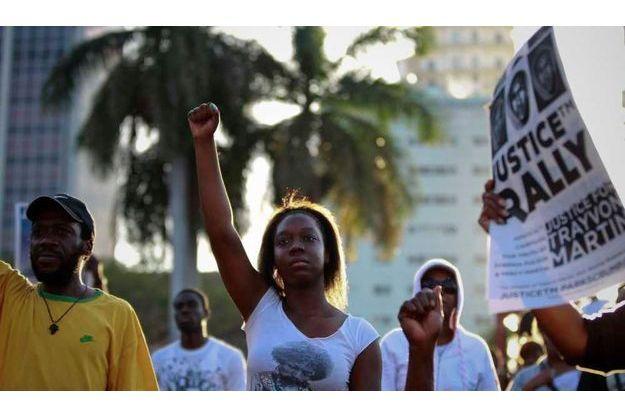 Une manifestation demandant justice pour Trayvon Martin, à Miami, lundi.