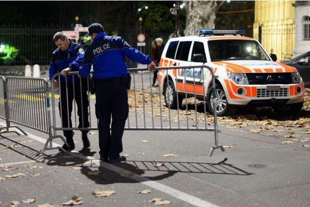Des policiers à Genève (Image d'illustration).
