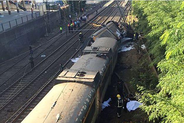Des images de l'accident de train qui s'est produit vendredi, au sud de Vigo.