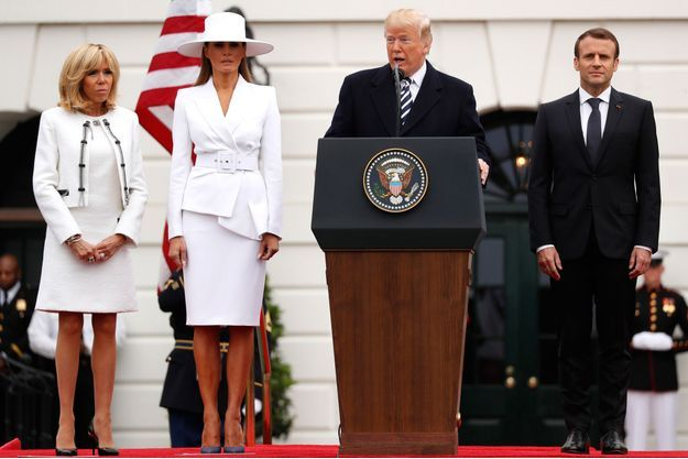 Donald Trump et Emmanuel Macron, mardi à la Maison Blanche, aux côtés de leurs épouses Melania et Brigitte.