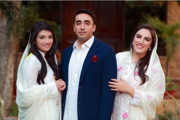 Sa mère est morte quand il avait 19 ans et étudiait à Oxford. Son père, ex-président, est accusé de corruption mais, au Pakistan, Bilawal peut compter sur l'engagement de ses deux soeurs, Asifa et Bakhtawar.