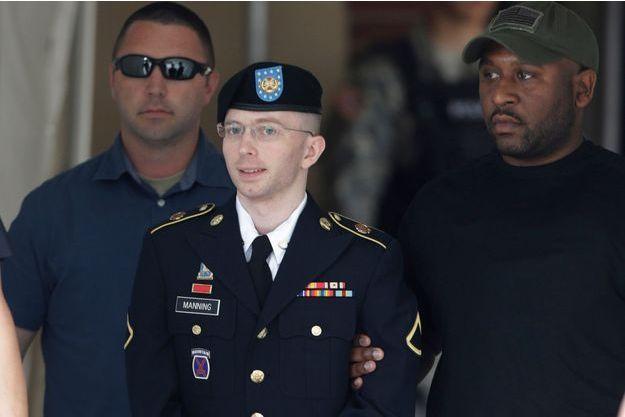 Bradley Manning à la sortie de la cour martiale de Fort Meade, mardi.