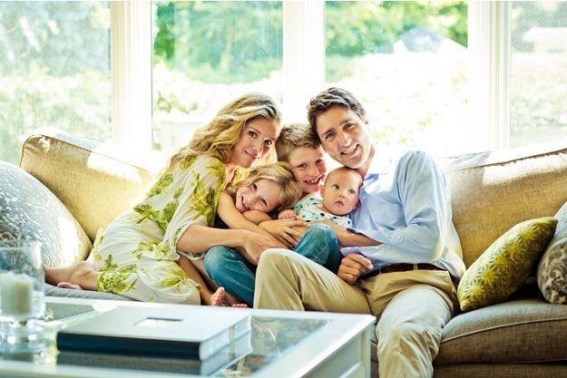 Dans leur maison d'Ottawa. Sophie et Justin Trudeau entourent leurs enfants (de g. à dr.): Ella-Grace, née en 2009, Xavier, né en 2007, et Hadrien, né en 2014.