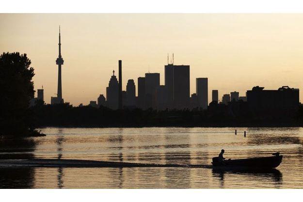 Le lac Ontario, bordé par la ville de Toronto. C'est là qu'a été retrouvé mercredi un torse humain.