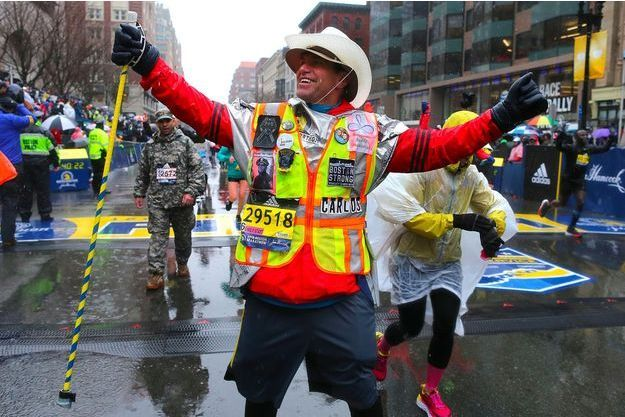 Carlos Arredondo à l'arrivée du marathon de Boston, le 16 avril 2018.