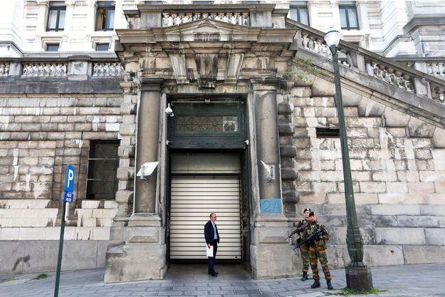 Les membres présumés de la cellule terroriste de Verviers sont jugés à Bruxelles.