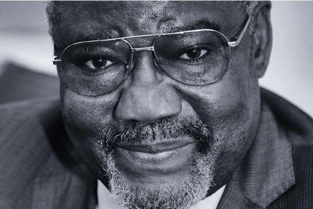L'universitaire Charles Zacharie Bowao, 54 ans, ex ministre de la Défense est aujourd'hui l'un des figures de l'opposition congolaise. Pour le scrutin présidentiel du 20 mars, il a mené campagne contre le Président sortant Denis Sassou N'Guesso