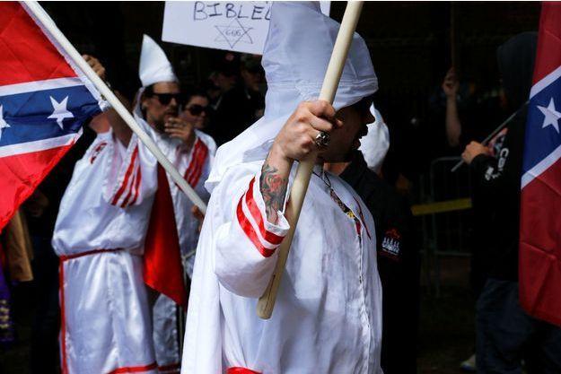 Des membres du KKK début juillet à Charlottesville.