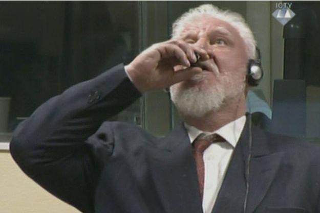 Slobodan Praljak a avalé du poison à l'annonce du verdict.