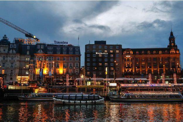Amsterdam, la nuit.