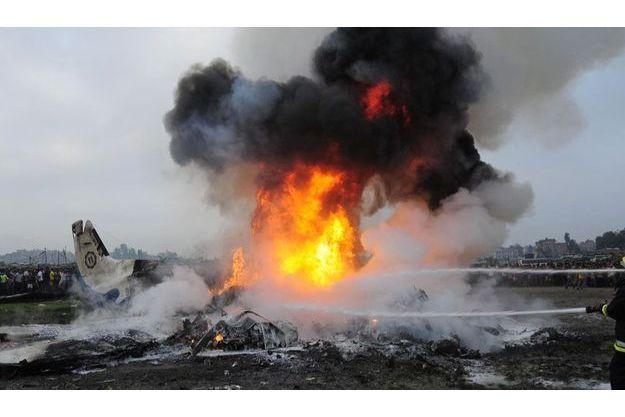 Le crash d'avion a fait 19 morts, dont sept Britannques et cinq Chinois