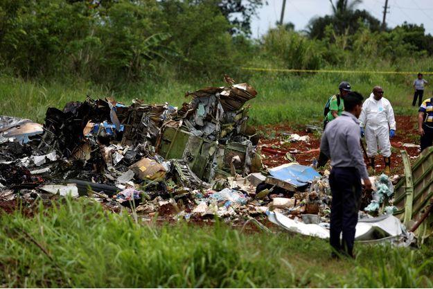 L'avion s'est crashé dans un champ près de La Havane.