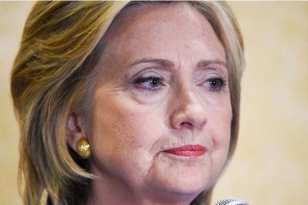 Hillary Clinton peine à se dépêtrer de cette polémique des courriels.