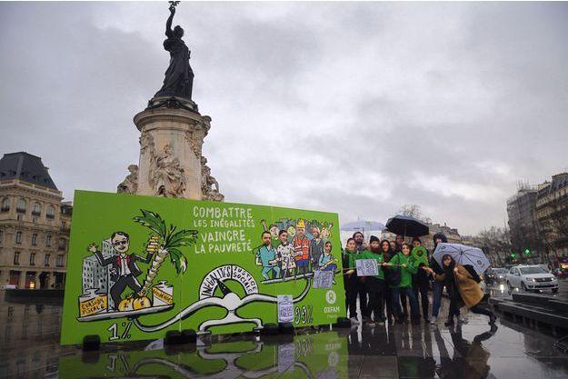 Action d'Oxfam dans Paris le 22 janvier 2018
