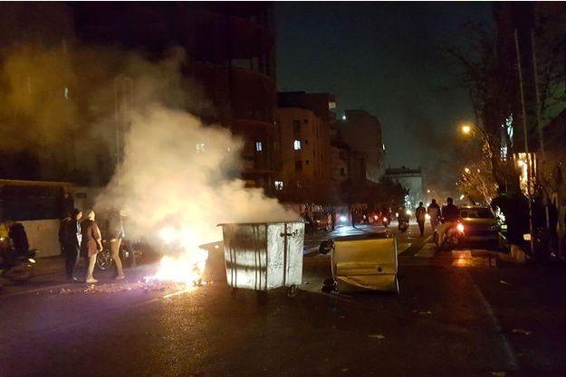 Manifestations à Téhéran, en Iran, samedi.