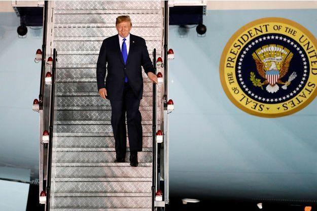 À Un Trump Historique Donald Jong Pour Sommet Kim Et Singapour Ybvg6f7y