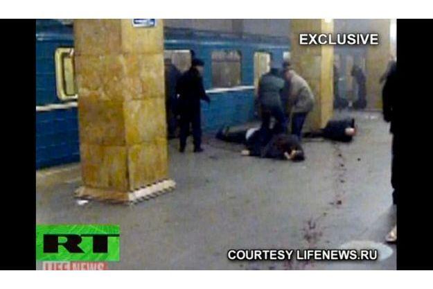 Ce matin, deux attentats ont été perpétrés dans le métro de la capitale russe, faisant au moins 34 morts et 27 blessés d'après un premier bilan provisoire.