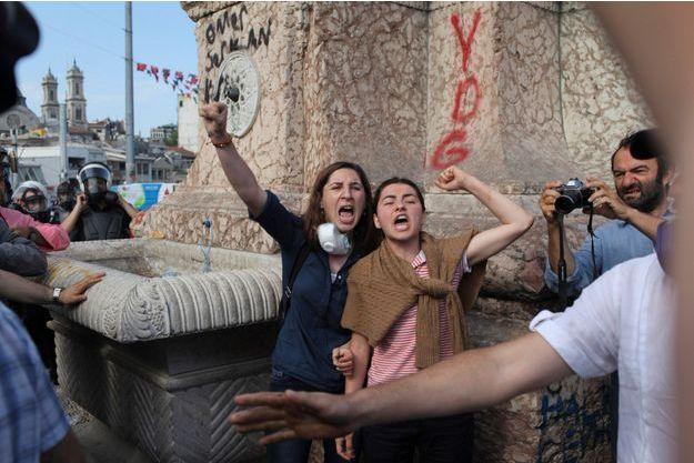 La jeunesse stambouliote ne baissera pas la garde malgré l'intervention musclée des autorités.