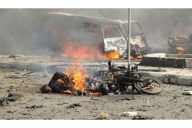 Le principal attentat a fait au moins 60 morts, jeudi, dans le centre-ville de Damas.