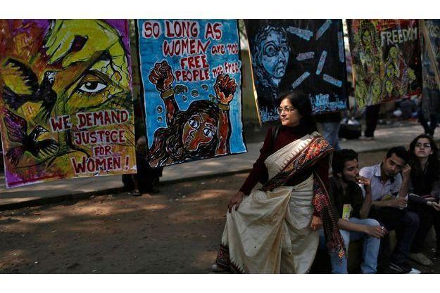 Les manifestations se poursuivent à New Delhi pour se mobiliser contre le viol.
