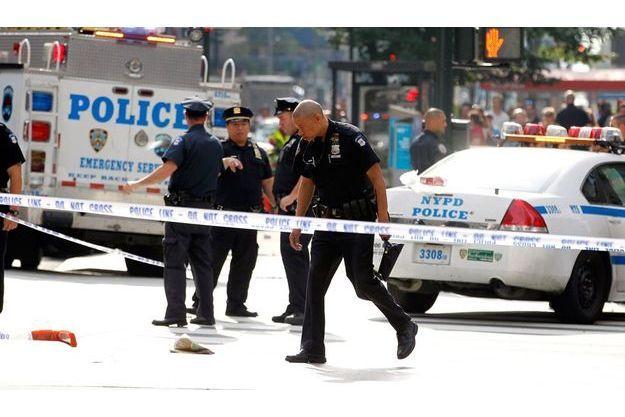 Un homme a ouvert le feu à New York et a été tué par la police. Sa cible était un ancien collègue.