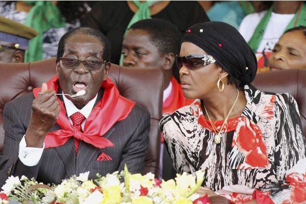 Robert et Grace Mugabe lors des célébrations de son 91e anniversaire en février dernier.