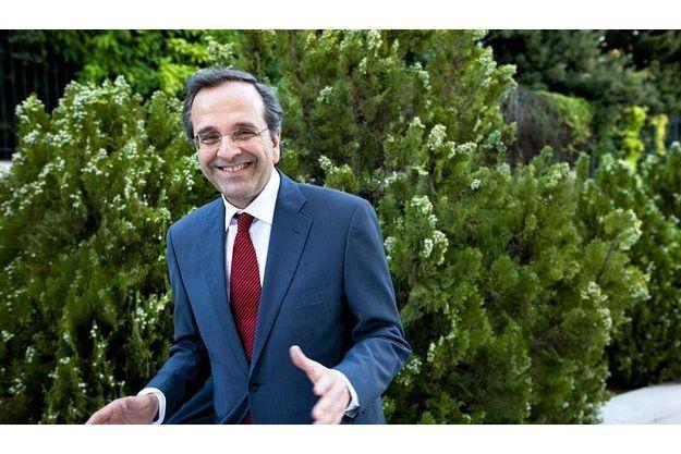 Dans la cour intérieure de la «Vouli», le Parlement grec, Antonis Samaras, 61 ans, sourit. Il devrait être le prochain Premier ministre.