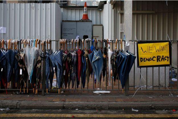"""Les """"ombrelles"""", symboles de la protestation contre le pouvoir en place."""