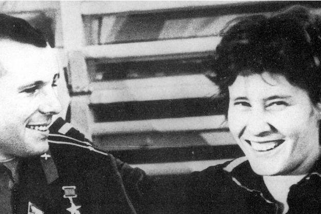 Youri Gagarine et Valentina Terechkova.