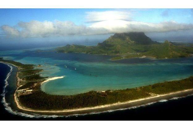 Vue aérienne de l'île de Bora-Bora, située à l'est de l'archipel de Tokelau