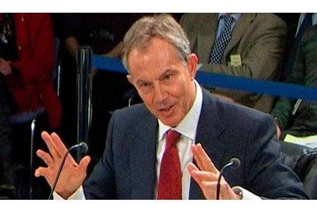Tony Blair s'expliquant sur la décision la plus controversée de son mandat.