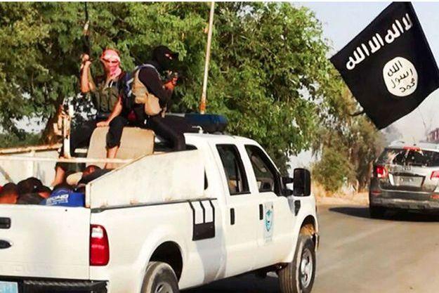L'EIIL a diffusé des photos des soldats irakiens qu'il a arrêtés puis abattus.