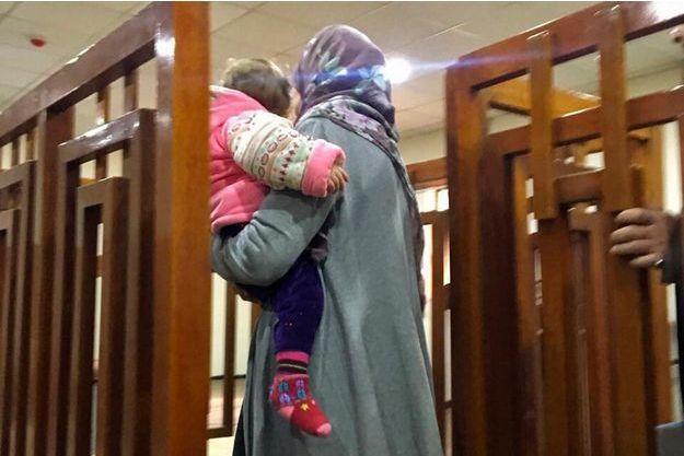 Mélina Boughedir arrivant au tribunal de Bagdad, le 19 février 2018.