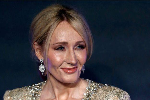 J.K. Rowling a présenté ses excuses sur Twitter.