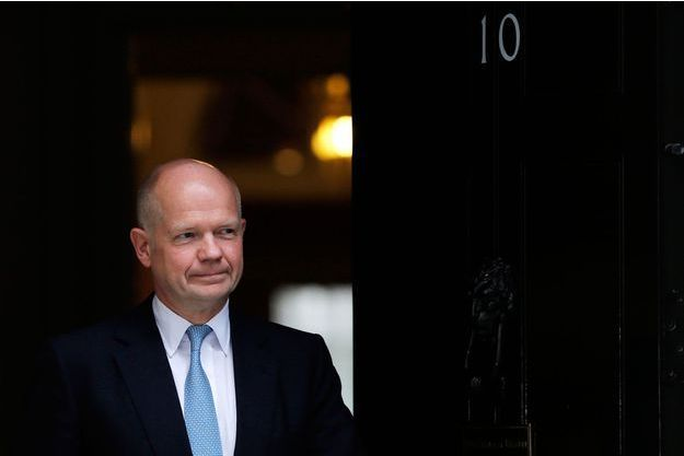 William Hague à son départ du 10 Downing Street, mardi.