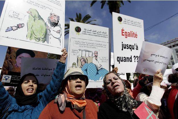 Des femmes lors d'une manifestation féministe en mars dernier à Rabat.