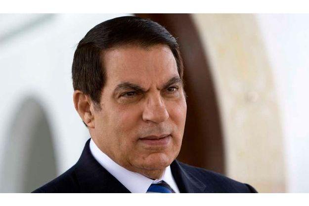 L'ex-leader tunisien et sa famille  habitent une demeure prêtée par le gouvernement saoudien à Abha.