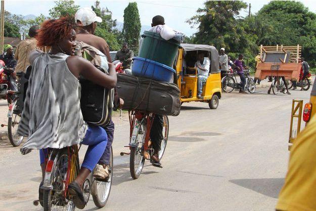 Les habitants des quartiers nord de Bujumbura fuient les violences et les tensions ethniques, de peur qu'elles ne dégénèrent pour de bon.