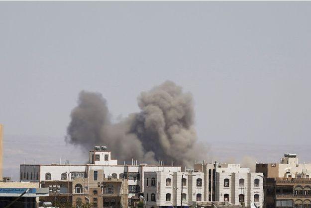 Qui est à l'origine du bombardement qui a fait plus de 130 victimes dans un mariage lundi?