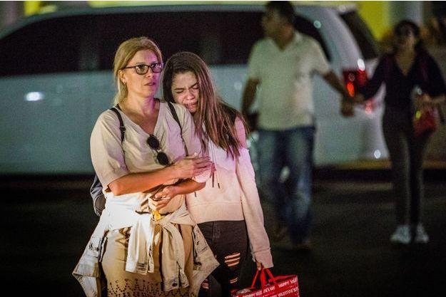 La fusillade a fait au moins 17 morts.