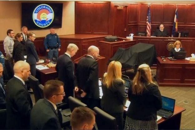 James Holmes (à gauche) à son procès lundi.