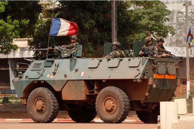 Des soldats français ont commencé à patrouiller dès jeudi à Bangui.