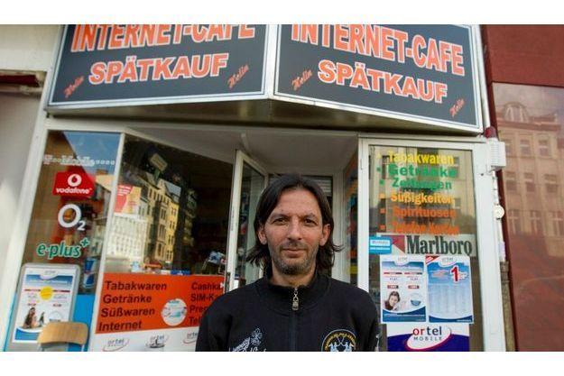 Kadir Anlayisli, le patron du cyber-café qui a reconnu Magnotta lundi