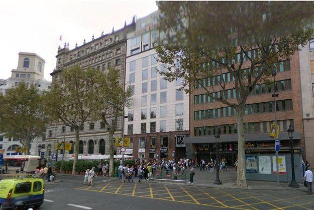 La touriste française a été retrouvée dans cet hôtel du centre de Barcelone dimanche.