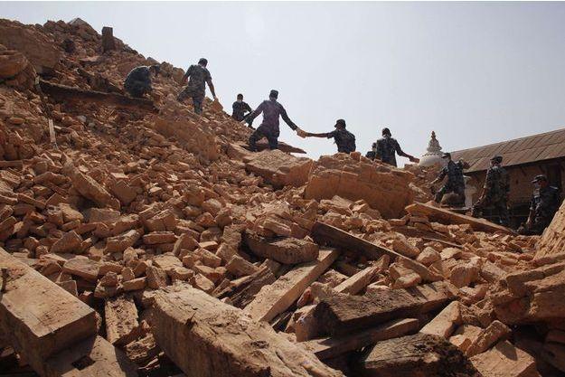 Le nettoyage peut commencer, une semaine après le séisme meurtrier.