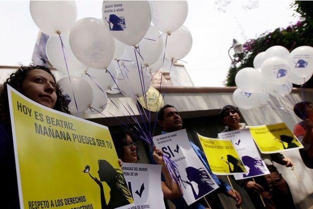Une manifestation en soutien à Beatriz a été organisée mercredi devant l'ambassade du Salvador à Mexico, à l'appel d'Amnesty International.